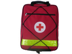 nahrbtnik za prvo pomoč za šole in društva - rdeči- prazen